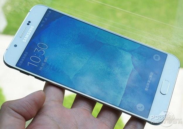 Samsung Galaxy A8 .   Fot. PC Online /materiały prasowe