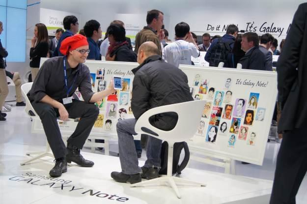 Samsung Galaxy Note + artysta = małe dzieło sztuki /INTERIA.PL