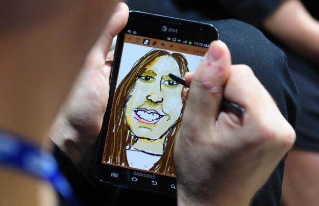 Samsung  Galaxy Note - jedno z urządzeń, które odbiera sygnał Glonass /AFP