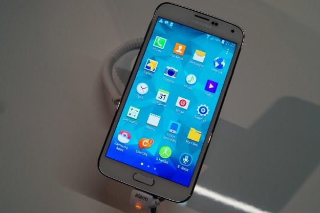 Samsung Galaxy S5 w sprzedaży pojawi się w kwietniu /INTERIA.PL