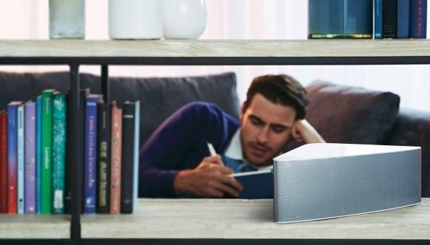 Samsung Multiroom - bezprzewodowy system dźwiękowy. Głośniki dostępne w kolorze białym i czarnym /materiały prasowe