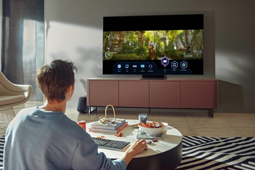 Samsung QN900A i specjalna funkcja GameView (podgląd najważniejszych informacji i ustawień) /materiały prasowe
