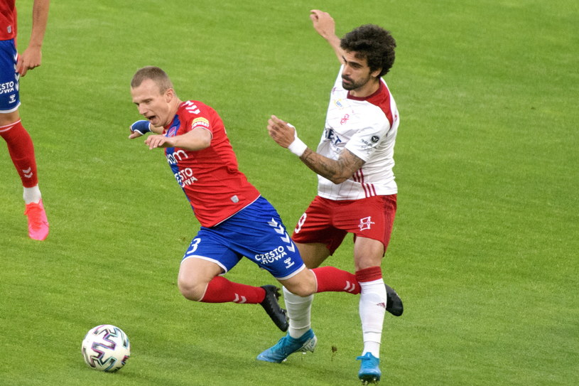 Samu Corral (w białej koszulce) w końcówce sezonu prezentuje wysoką formę /PAP/Grzegorz Michałowski /PAP