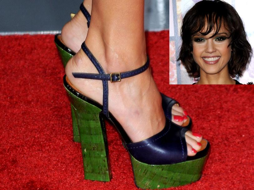 Sandały Jessici Alby  /Getty Images/Flash Press Media