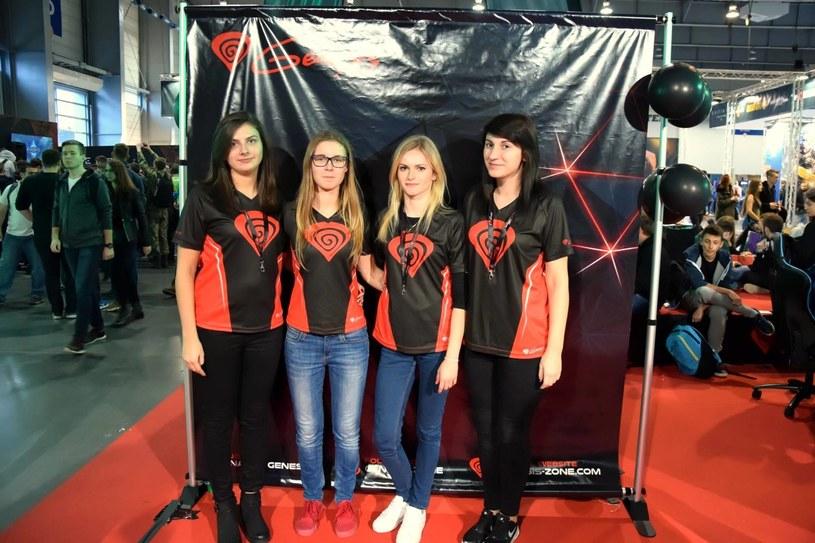 """Sandra """"frida"""" Wojnowska (druga od prawej) wraz z koleżankami z drużyny /materiały źródłowe"""