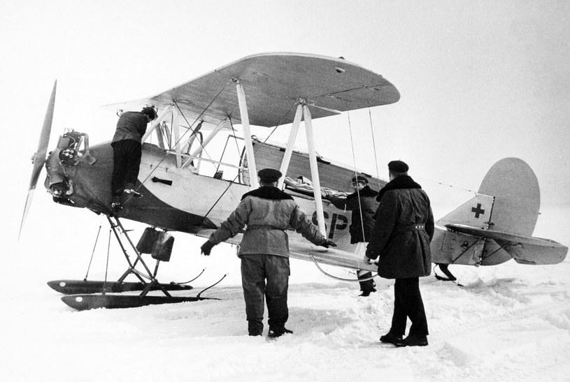 Sanitarny S-13 z nartami z Zespołu Lotnictwa Sanitarnego /Wacław Hołyś /Muzeum Ratownictwa w Krakowie