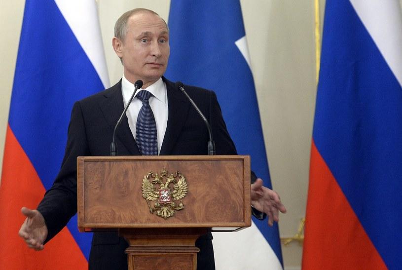 Sankcje nie robią wrażenia na Władimirze Putinie /AFP