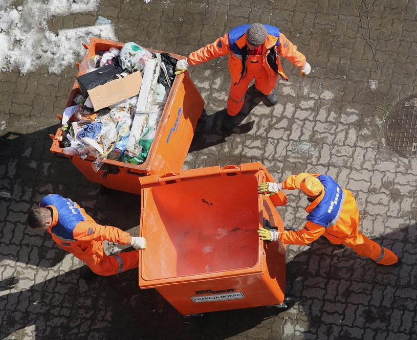 Sankcje za mieszanie śmieci zostaną nałożone tylko w jaskrawych przypadkach /TOMASZ RYTYCH/REPORTER /East News