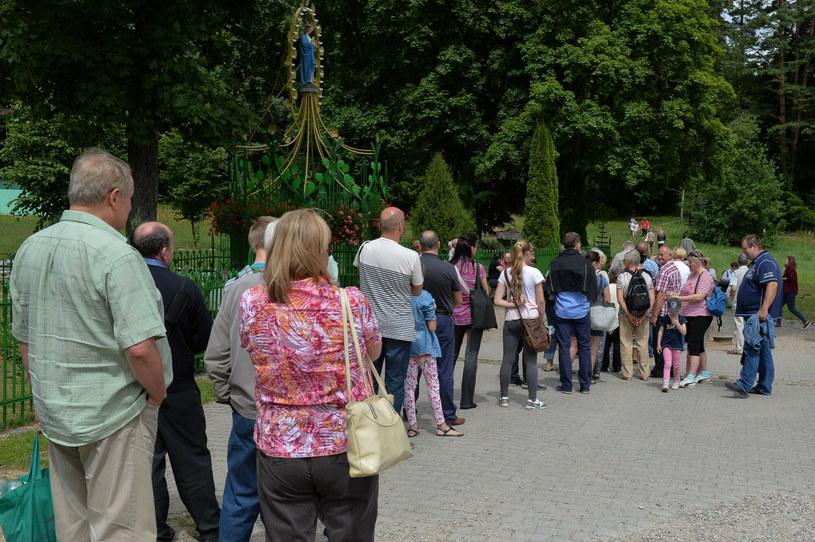 Sanktuarium Maryjne w Gietrzwałdzie co roku odwiedzają tysiące wiernych /GERARD/REPORTER /East News