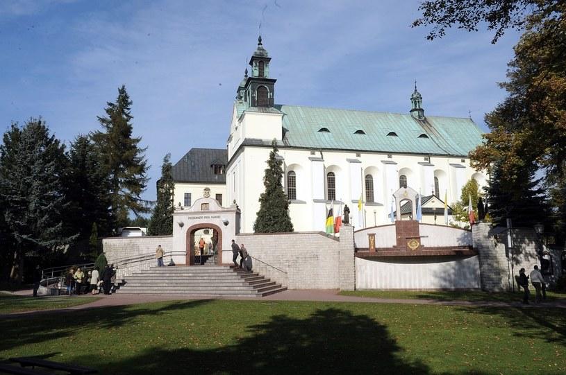 Sanktuarium Matki Bożej Leśniowskiej Patronki Rodzin /Mieczysław Włodarski /Reporter