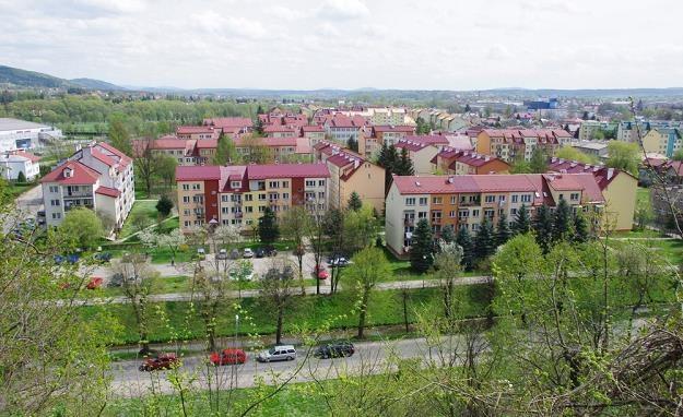 Sanok - widok na dzielnicę Błonie z pl. św. Jana. Fot. MAREK BAZAK /Agencja SE/East News