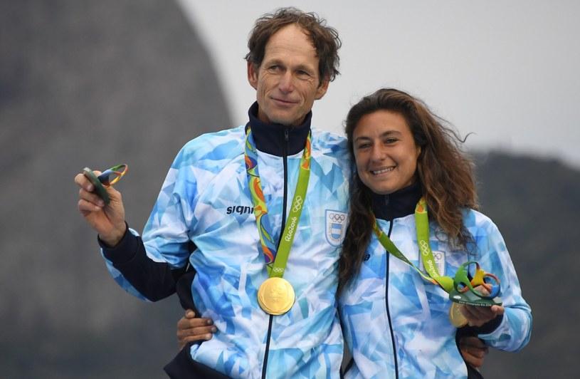 Santiago Lange i Cecilia Carranza Saroli ze złotymi medalami /AFP