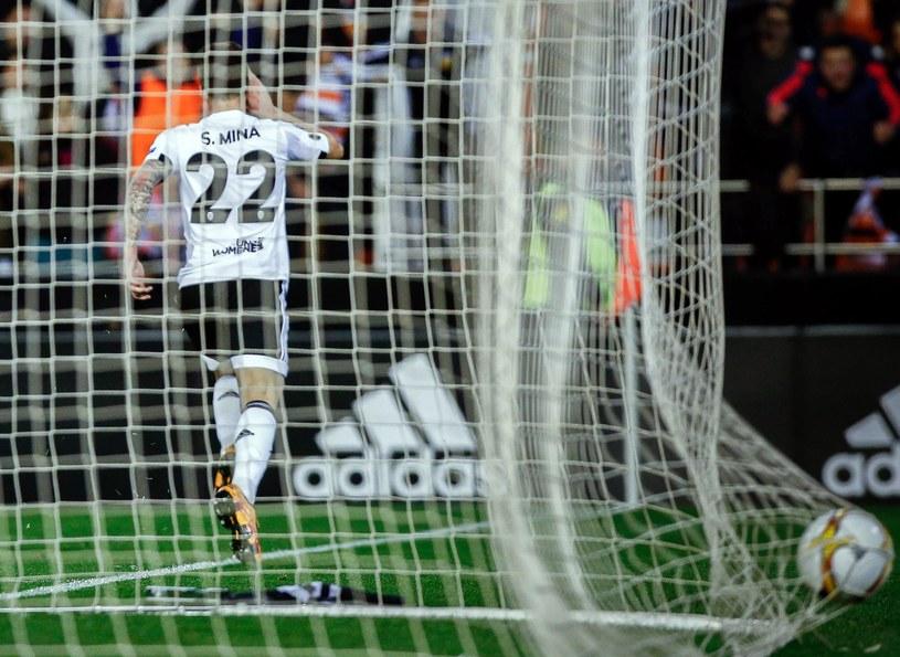 Santiago Mina cieszy się z jednej bramek przeciwko Rapidowi /AFP