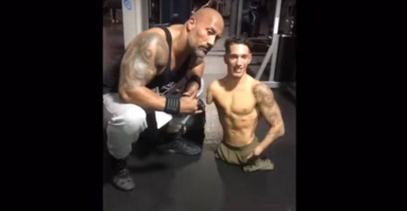 Santonastasso jest kulturystą, modelem fitness, przedsiębiorcą, mówcą motywacyjnym oraz gwiazdą mediów społecznościowych /YouTube