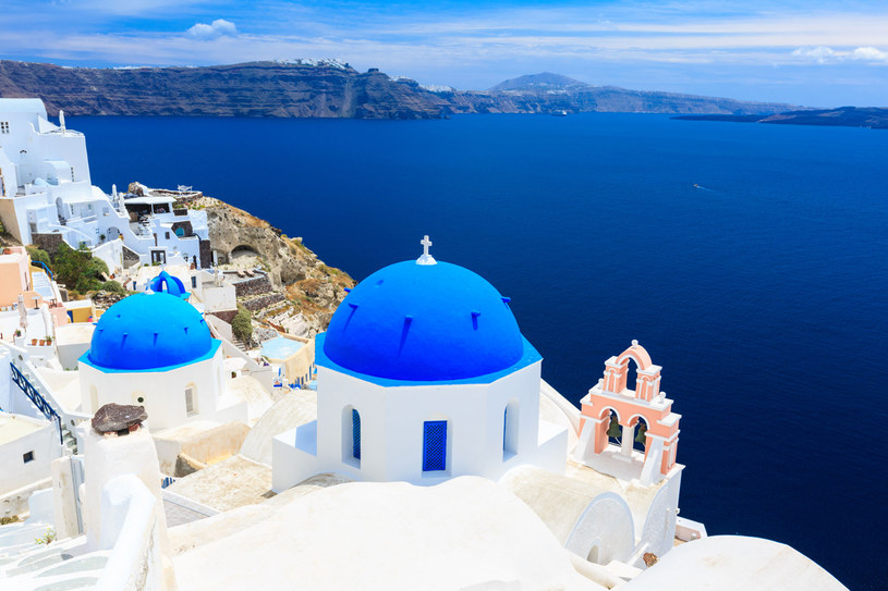 Santorini ma nieodparty urok /123RF/PICSEL