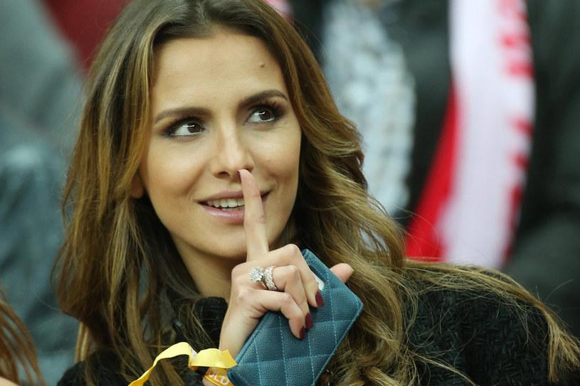 Sara udowadnia, że nie jesty tylko żoną męża /Piklikiewicz /East News