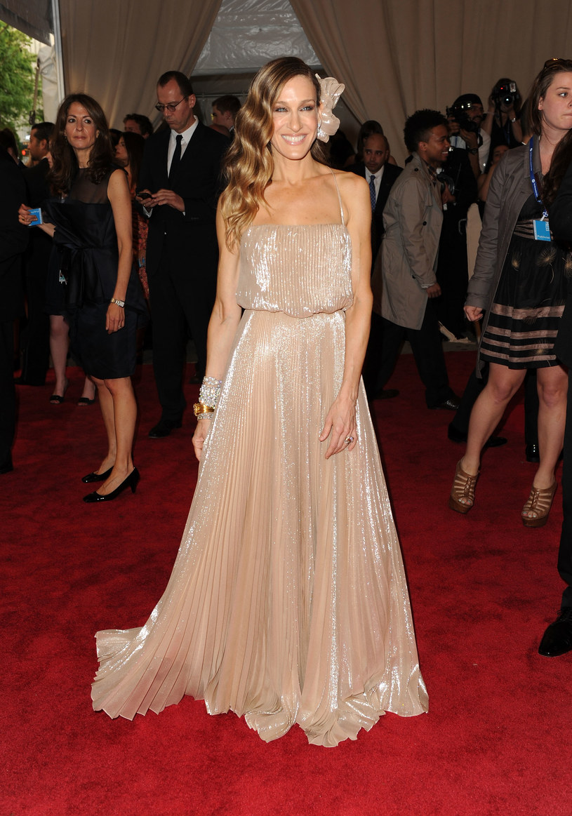 Sarah Jessica Parker w połyskującej sukni   /Getty Images/Flash Press Media