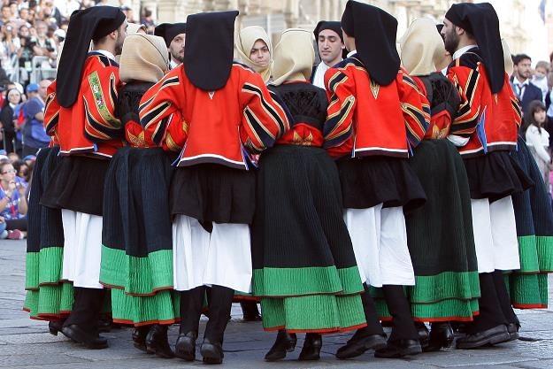 Sardyńczycy w ludowych strojach. Fot. Franco Origlia /Getty Images/Flash Press Media