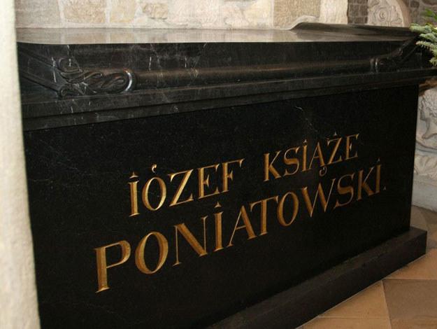 Sarkofag księcia Józefa Poniatowskiego w katedrze na Wawelu /Anna Kaczmarz /Reporter