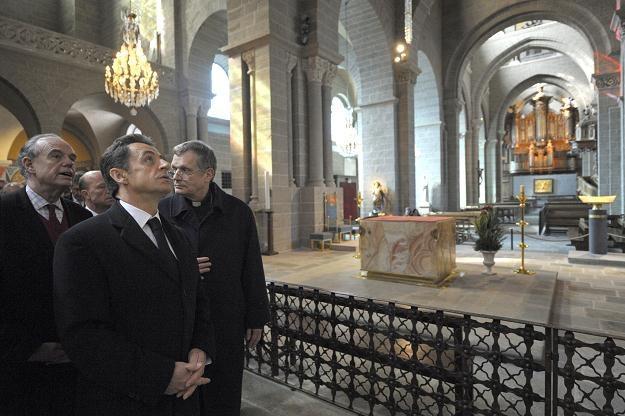 Sarkozy złożył wizytę w Puy-en-Velay /AFP