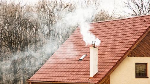 Sąsiad dymi? Główne błędy domowego palenia