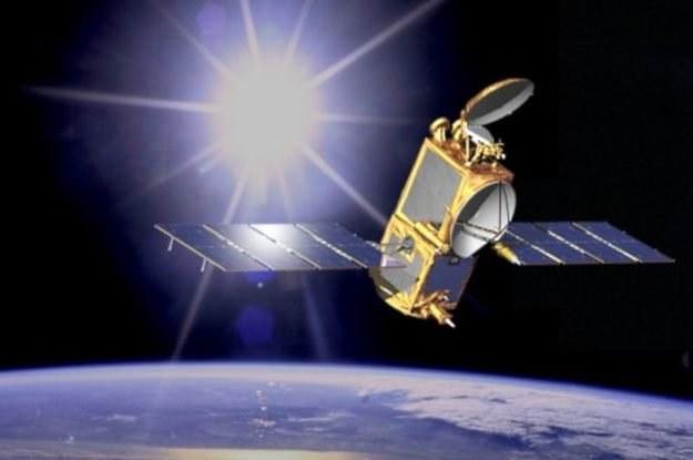 Satelita śledzący nie tylko szpiegów, ale także piratów drogowych    fot. NASA /kopalniawiedzy.pl