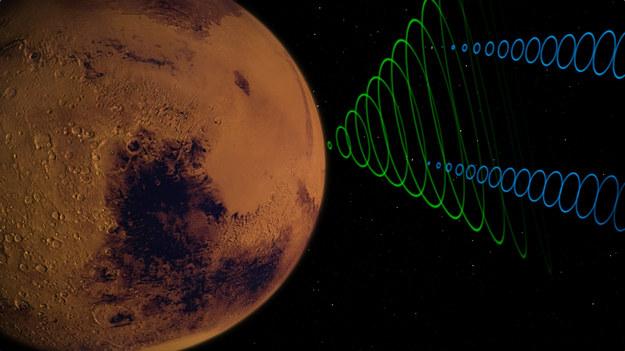 Satelity MarCO CubeSats przekazujące na Ziemię sygnał z InSight / NASA/JPL-Caltech /Materiały prasowe
