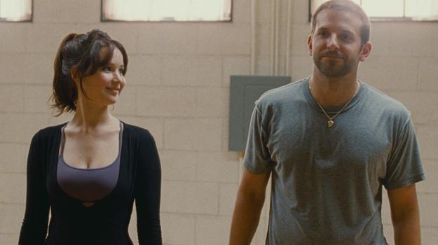 Satelity otrzymali m.in. grający w filmie O. Russella główne role Jennifer Lawrence i Bradley Cooper /materiały prasowe