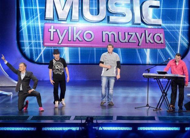 Saturn Band i pląsający Piotr Rogucki w akcji - fot. GM /Polsat