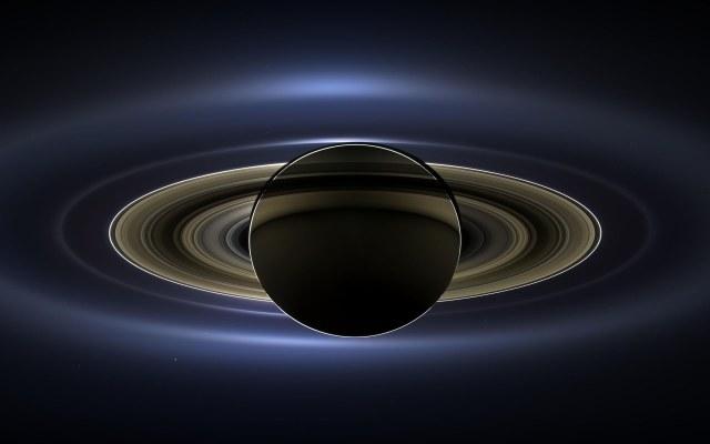 Saturn emituje tajemnicze dźwięki, które zarejestrowane zostały przez instrumenty sondy Cassini /NASA