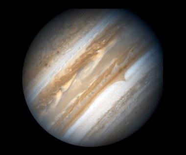 Saturn i Jowisz kryją miliony ton diamentów