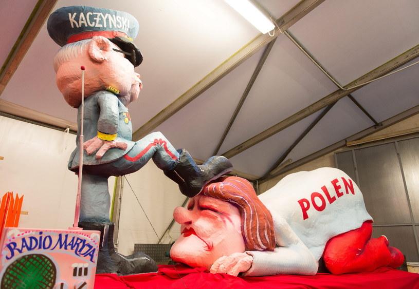 Satyrę na Polskę podczas karnawałowej parady w niemieckim Duesseldorfie / EPA/MONIKA SKOLIMOWSKA /PAP/EPA