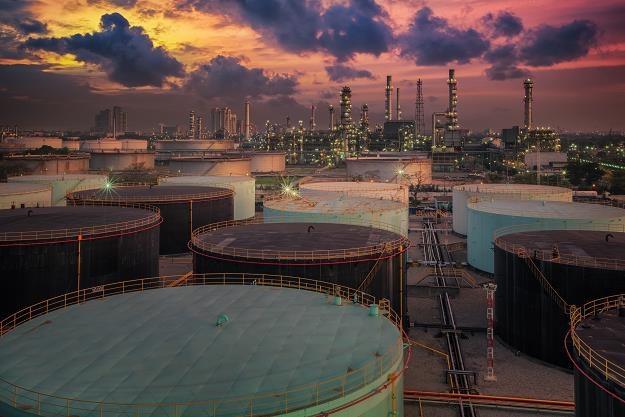 """Saudyjski następca tronu ostrzega przed """"niewyobrażalnym"""" wzrostem cen ropy /©123RF/PICSEL"""
