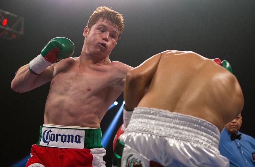 Saul Alvarez jest pewny zwycięstwa nad Floydem Mayweatherem /AFP