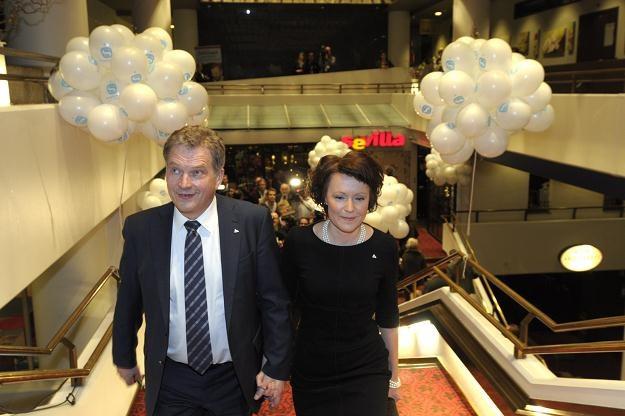 Sauli Niinistoe z żoną /AFP