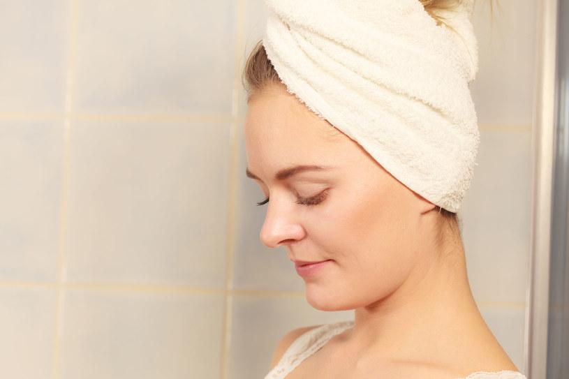 Sauna stosowana na włosy zwiększa działanie odżywek /123RF/PICSEL