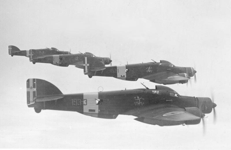 Savoia-Marchetti SM.79 - eskadrę tych samolotów eskortowały Macchi /War Museum Valletta /materiały prasowe