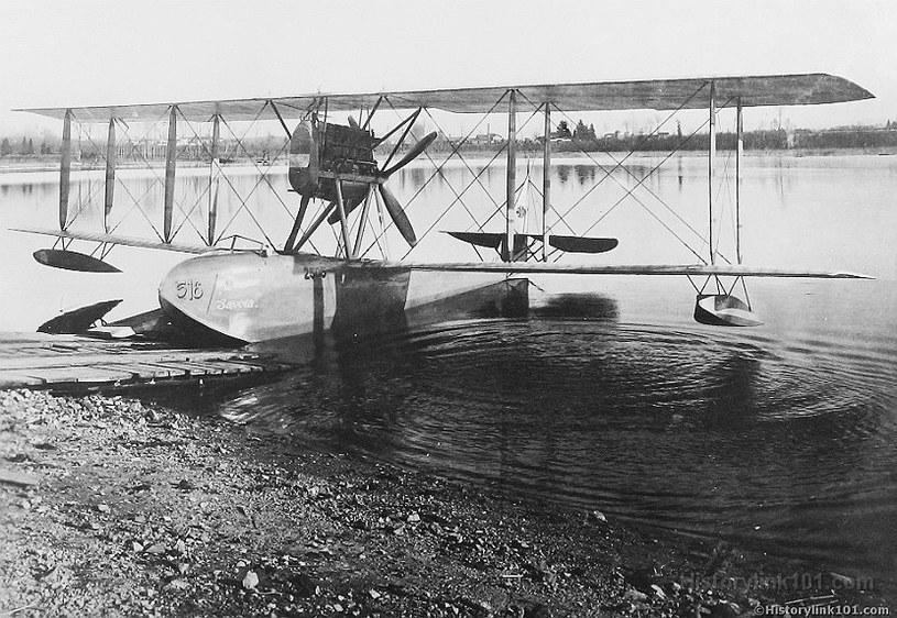Savoia S-16 - takim filigranowym samolotem Lucht latał nad Oceanem Arktycznym /Wikimedia Commons /materiały prasowe