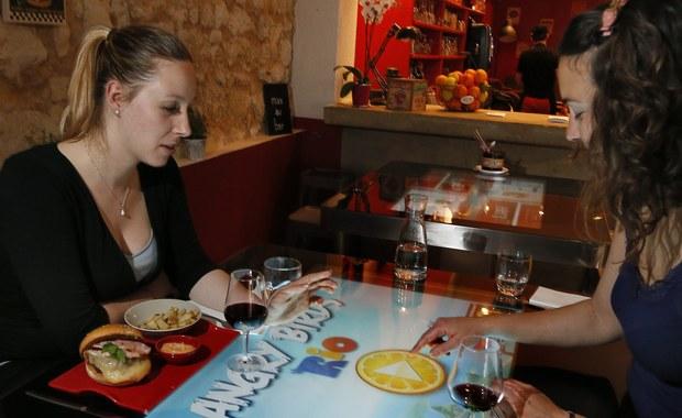 Savoir-vivre: Jak wyrazić niezadowolenie w restauracji
