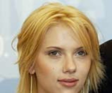 Scarlett Johansson córką Dennisa Quaida?