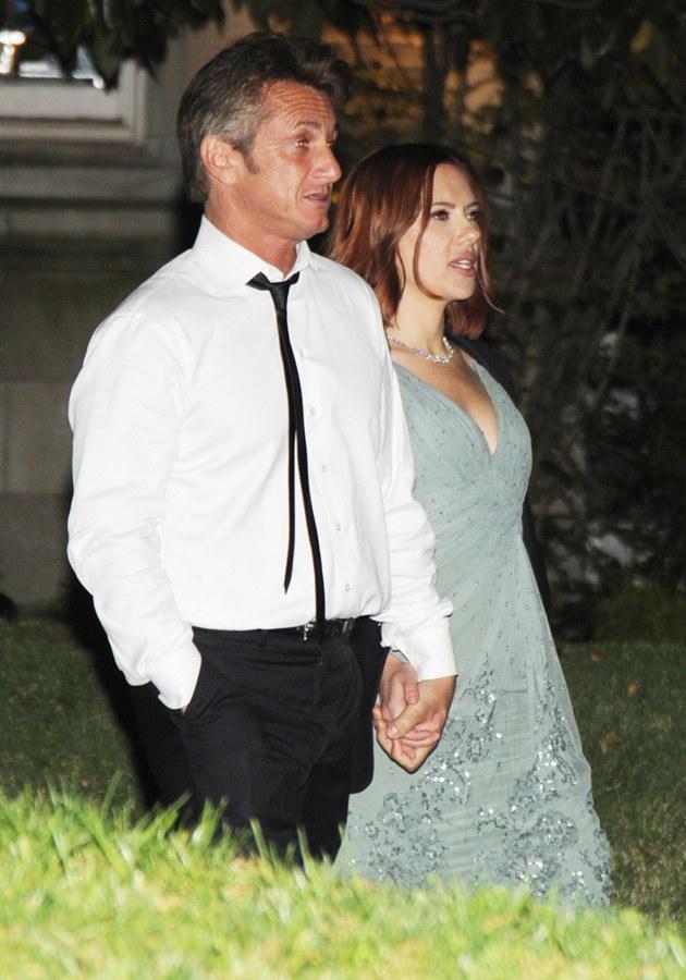 Scarlett Johansson i Sean Penn  /Splashnews