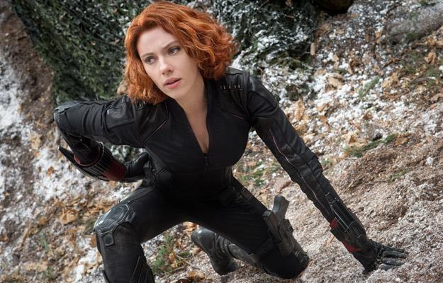 """Scarlett Johansson w filmie """"Avengers: Czas Ultrona"""" /materiały prasowe"""