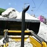 Sceny jak z Syberii w Meksyku. Buldożery spychały zwały lodu z ulic