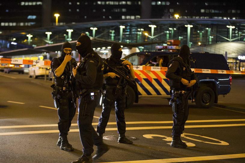 Schiphol to jedno z największych lotnisk w Europie /PAP/EPA