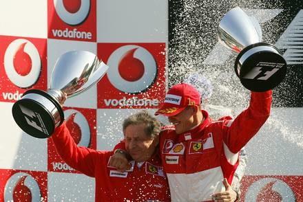 Schumacher kończy karierę / Kliknij /AFP