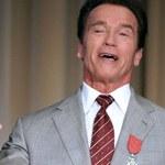 Schwarzenegger i popiersie Lenina