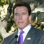 Schwarzenegger popiera palaczy