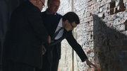 """Ściana egzekucji żołnierzy wyklętych. """"Tu stał prokurator, naczelnik, przy ścianie nasi bohaterowie"""""""