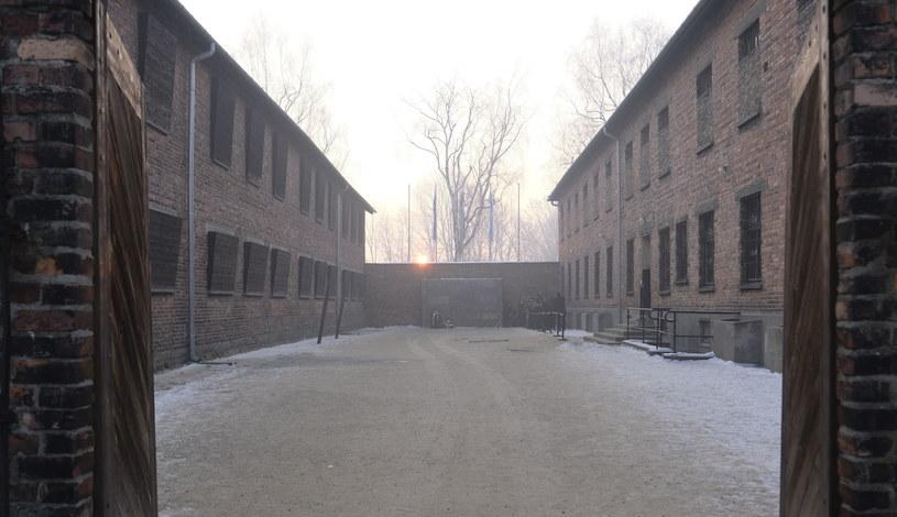 Ściana Śmierci na terenie byłego obozu Auschwitz /Andrzej Grygiel /PAP