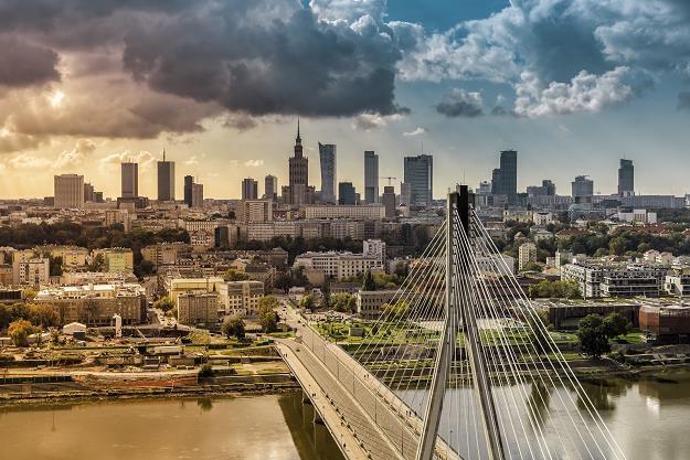 Ścisłe centrum Warszawy się wyludnia? /©123RF/PICSEL